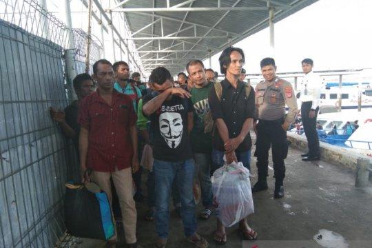 1.525 TKI berangkat ke Negeri Sabah Malaysia melalui Nunukan
