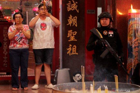 Pengamanan malam imlek di Makassar