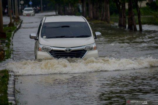 BPBD Jabar: Curah hujan tinggi penyebab banjir Bandung Selatan