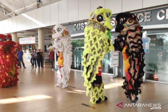 Barongsai meriahkan libur Imlek di Bandara Jambi