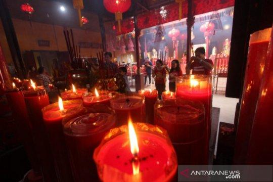 Imlek di 2 kelenteng bersejarah di Banjarmasin berlangsung khidmat