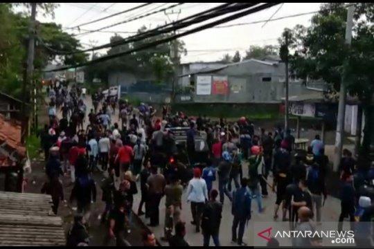Bentrok dua ormas polisi jaga ketat perbatasan Sukabumi-Cianjur