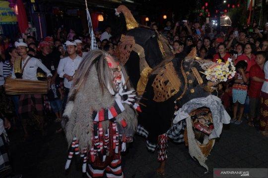 Parade budaya perayaan Tahun Baru Imlek di Bali