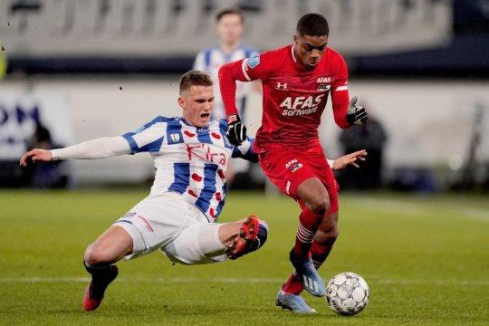 Tumbangkan Heerenveen, AZ Alkmaar jaga jarak dari Ajax