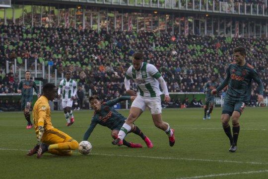 Ajax terpeleset di kandang Groningen
