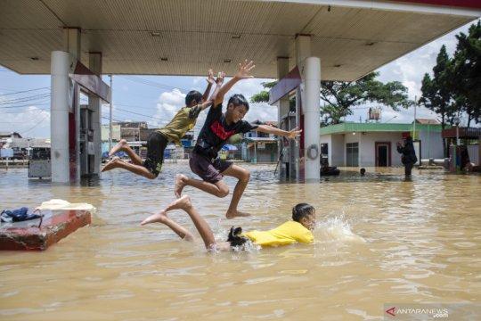 Banjir rendam Bandung Selatan, begini penampakannya