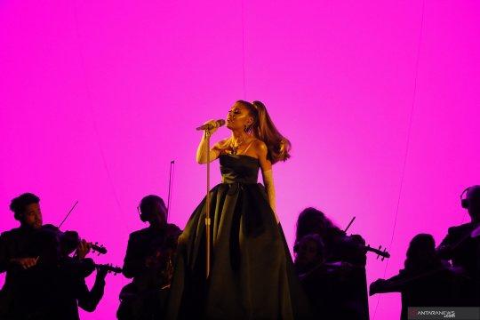 "Ariana Grande akan jadi juri baru di ""The Voice"""