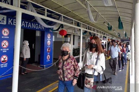 Batam tidak larang warganya ke Singapura terkait corona
