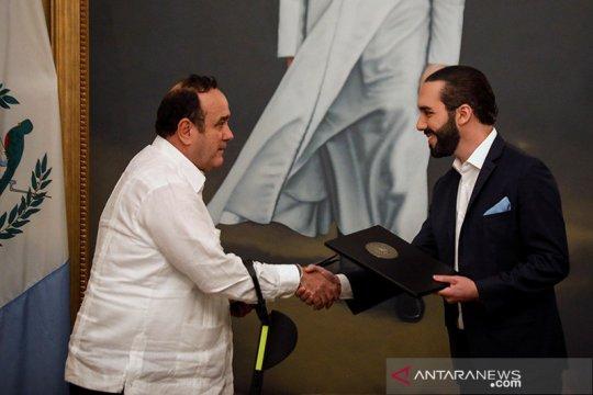 18 asisten positif corona, presiden Guatemala bertugas dari jarak jauh