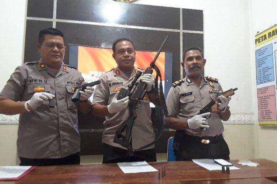 Polisi amankan empat pucuk senjata api di Jayapura