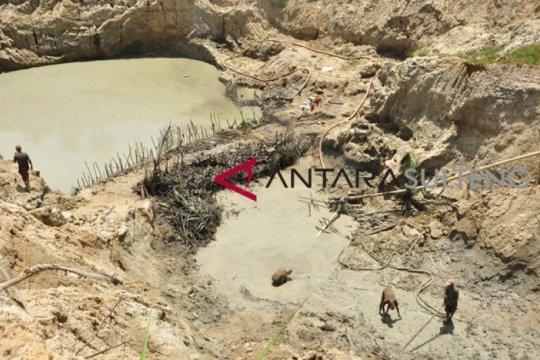 100-an alat berat diduga beroperasi di tambang emas ilegal Aceh Barat