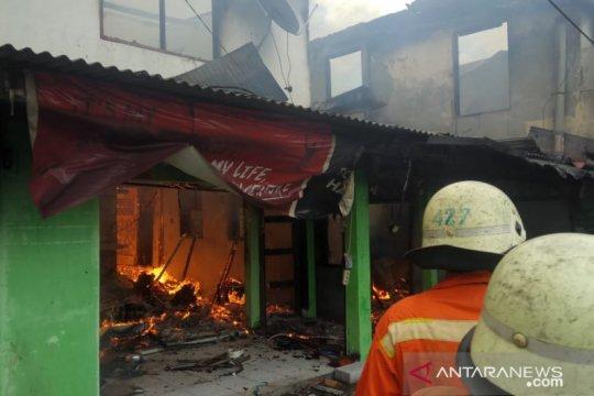 33 rumah terbakar di Kebayoran Lama Utara