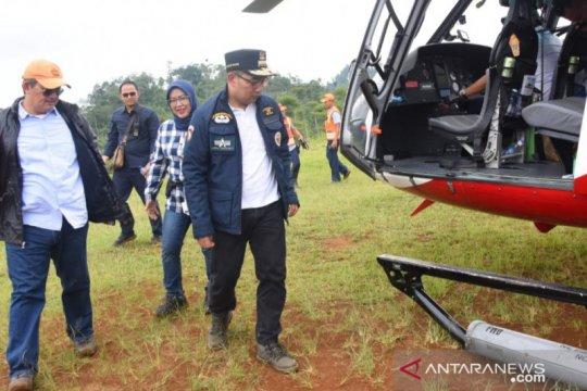 Tumpangi helikopter, Emil dan Bupati Bogor tinjau calon lahan relokasi