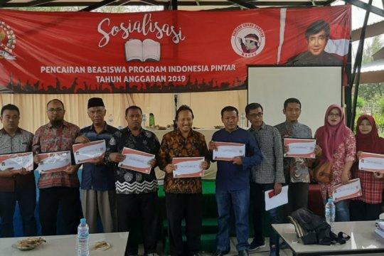 PDIP Surabaya sosialisasi program pendidikan Jokowi dan Risma