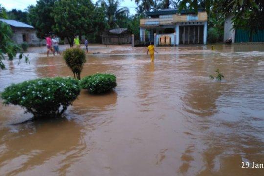 120 rumah warga di Taming Pasaman Barat terendam banjir