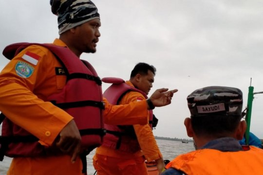 Petugas gabungan temukan dua ABK KM Wingstone yang tenggelam