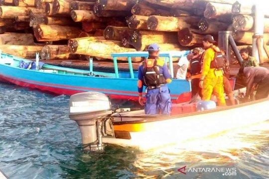 Evakuasi tiga nelayan di Pulau Mengge, Sarmi dilakukan tim SAR