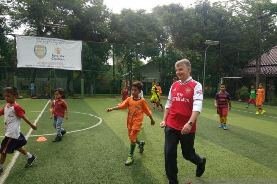 Dubes Inggris berkata sepak bola lepaskan anak-anak dari kekerasan