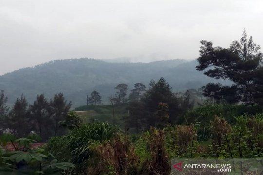 Jalur pendakian Merbabu dibuka mulai 1 Februari