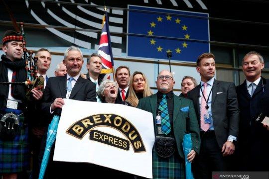 Inggris akhirnya tinggalkan  Uni Eropa menuju masa depan tak menentu