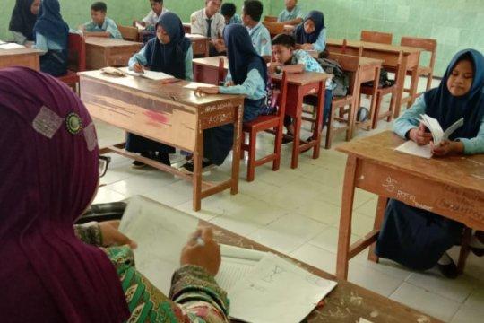 ACT salurkan biaya hidup guru prasejahtera di Sampang