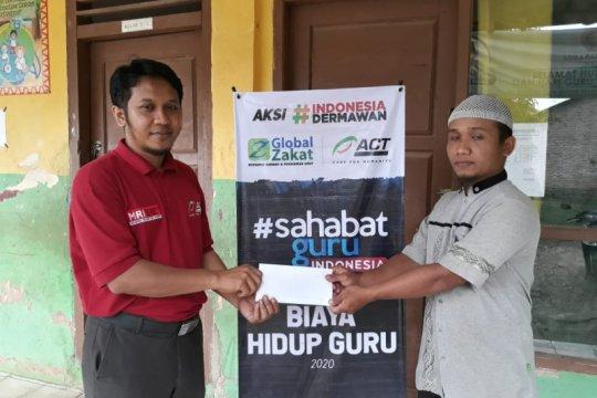 Global Zakat -ACT Lampung beri bantuan ke guru honor di Pringsewu