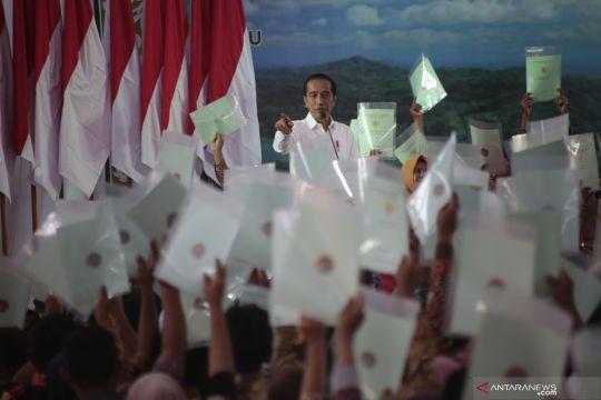 Presiden serahkan sertifikat tanah di Yogyakarta