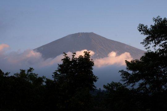 Masyarakat Adat Bayan: jaga Gunung Rinjani