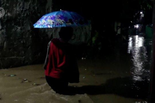 Banjir, ratusan warga Pekalongan mengungsi