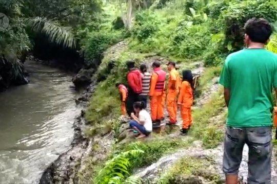 Tim SAR gabungan cari bocah terseret arus Sungai Jangkuk