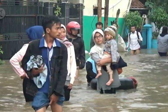 Banjir setinggi 1 meter rendam permukiman warga Dayeuh Kolot