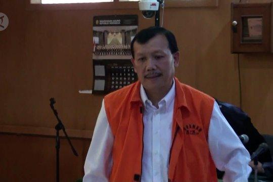 Mantan Sekda Jabar didakwa terima suap RP 900 juta