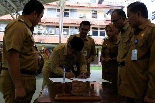Setelah lama kosong, Walikota Arief lantik sekda baru