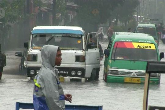 BPBD Jabar: curah hujan intensitas tinggi dan sedimentasi penyebab banir