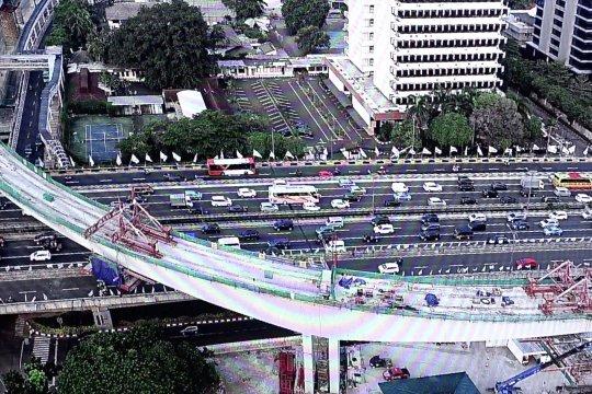 Inilah  yang membuat jembatan LRT Kuningan istimewa