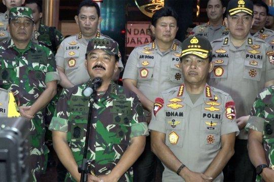 Kapolri dan Panglima TNI pantau pengamanan perayaan tahun baru