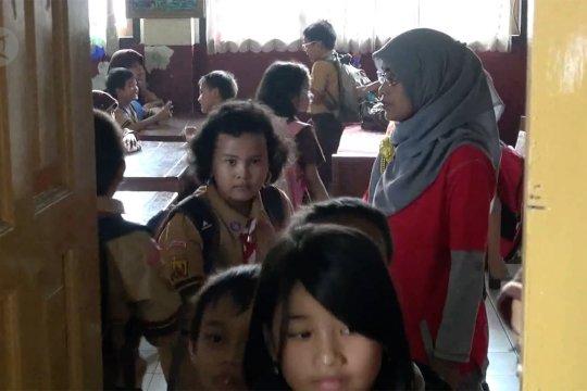 PGRI : Tanpa guru honorer sekolah akan lumpuh