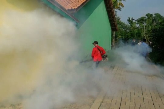 Dinkes Kota Cilegon lakukan pengasapan nyamuk