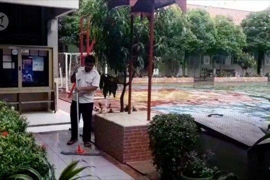 Kegiatan proses mengajar di sekolah Jakarta pasca banjir