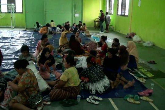 Korban banjir bandang Lebak masih bertahan di pengungsian
