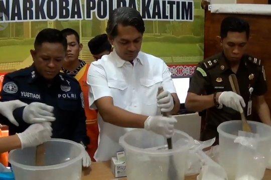 Sebanyak 8 kilogram sabu asal Malaysia dimusnahkan