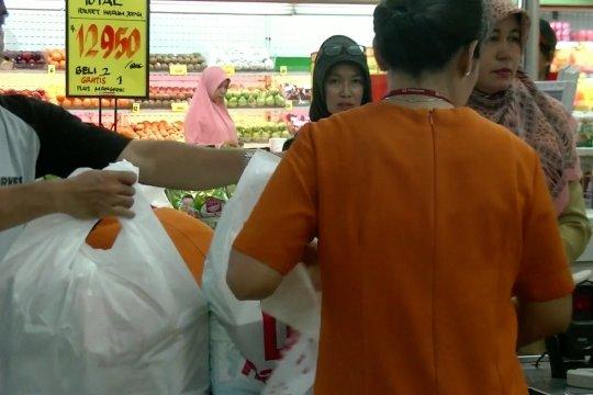 Menakar relevansi kebijakan larangan kantong plastik di Jakarta