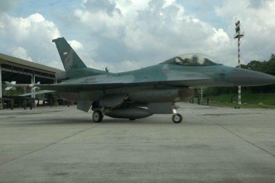 TNI AU terbangkan empat F-16 ke Natuna