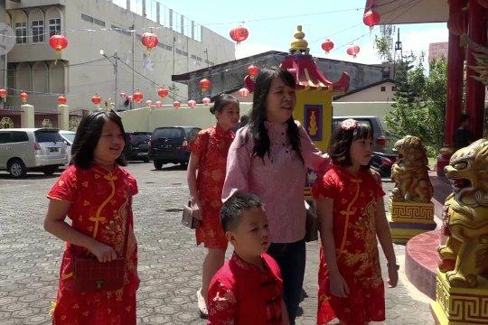 Warga Tionghoa di Ternate rayakan Imlek secara sederhana