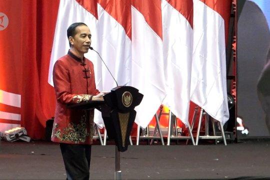 Jokowi sebut nama Ahok yang tak hadiri perayaan imlek