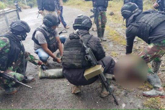 Kontak senjata dengan TNI-Polri, satu anggota KKB tewas