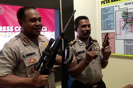 Polresta Jayapura amankan empat senjata api ilegal