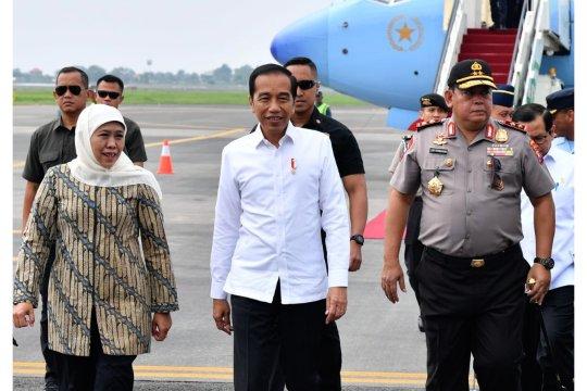 Bertolak ke Surabaya, Presiden Jokowi tinjau kapal selam