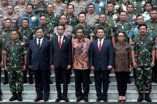 Jokowi bela Prabowo, lakukan diplomasi pertahanan ke luar negeri