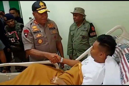Kapolda Papua jenguk anggota Brimob yang ditembak KKB